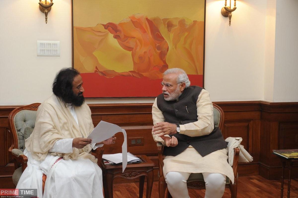 Sri Sri Ravi Shankar congratulated PM Modi for Extending Free Ration Scheme to poor