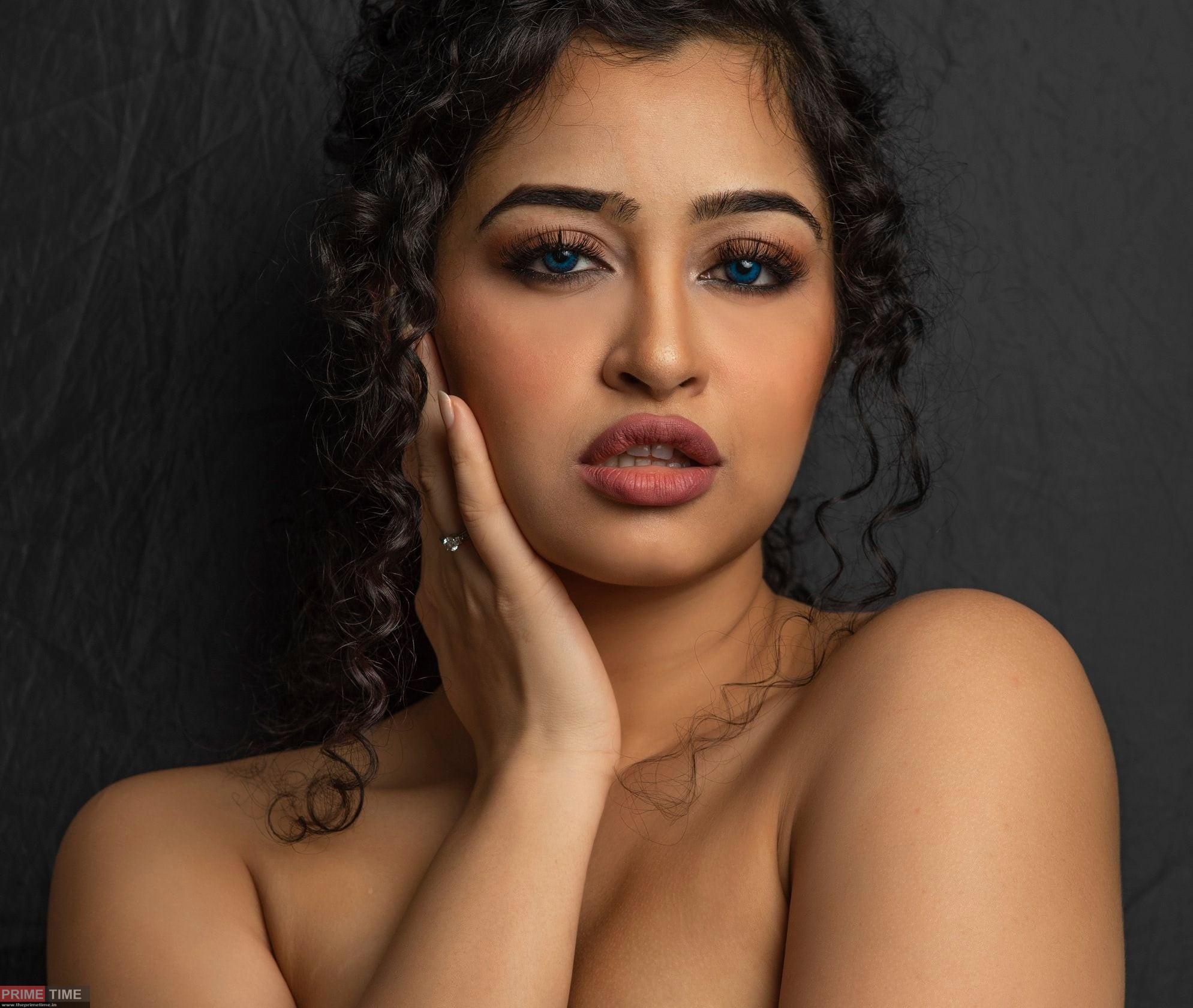 Apsara Rani Rare Photos