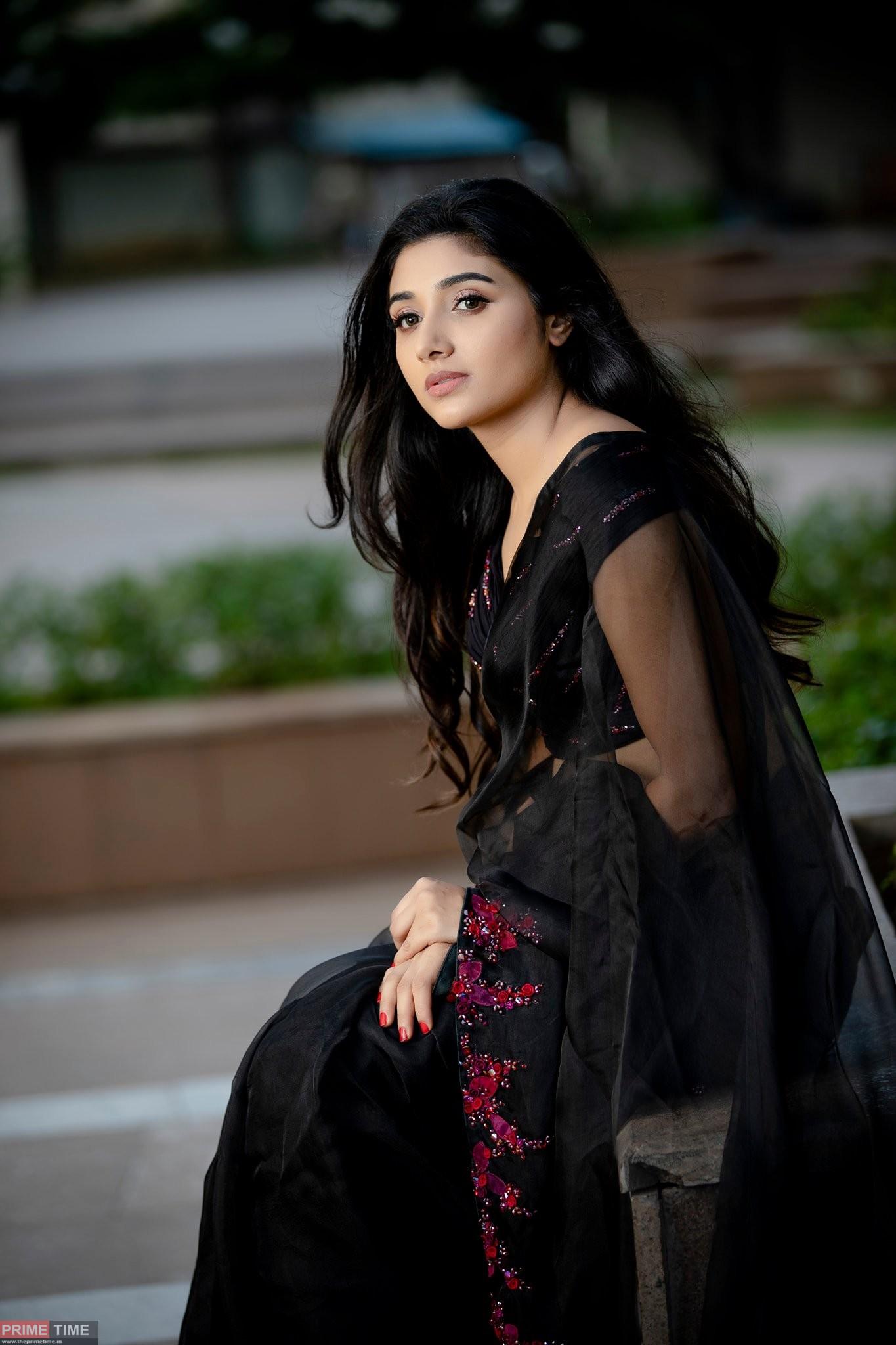 Mirna Menon Images