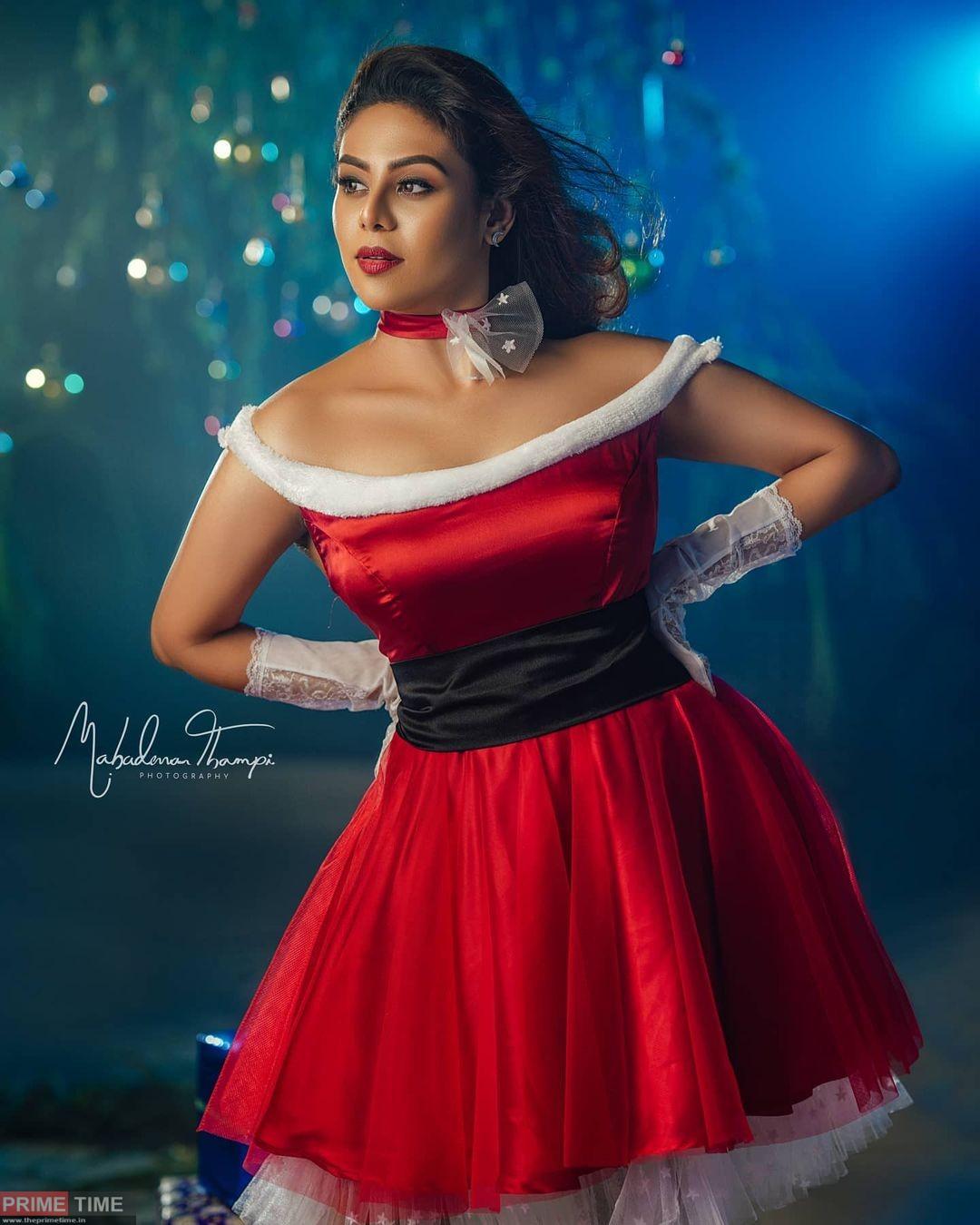 Iniya's Christmas Special Photoshoot