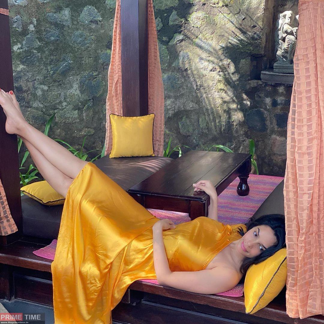 Mallika Sherawat glamorous photos