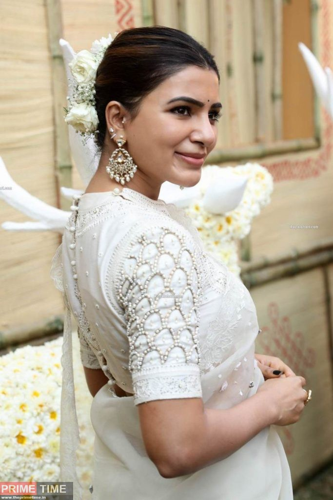 Samantha-in-off-white-saree-by-house-of-three-for-Shakuntalam-muhurat